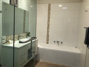 clean bathroom shepparton apartment