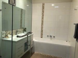 clean bathroom shepparton apartment