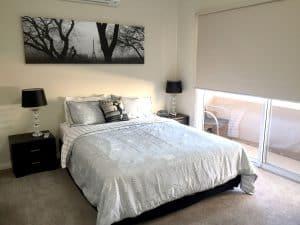 carpet floor spacious room