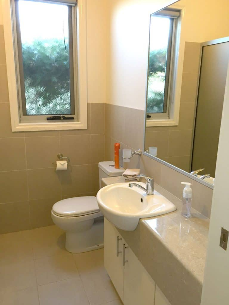 clean apartment shepparton