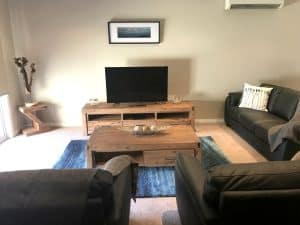 coffee table accommodation